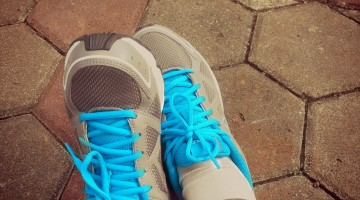 running-shoes-323457
