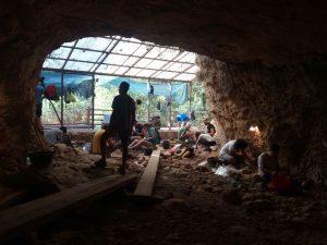 Excavacions a la Cova de les Toixoneres, Agost 2017